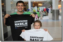 Posjetitelji u majicama