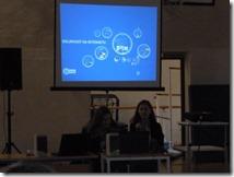 Ivana Čolak i Josipa Kolar, učenice četvrtor razreda Gimnazije izlažu na temu Sigurniji internet
