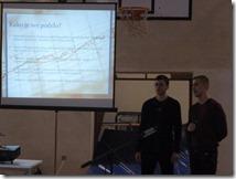 Učenici M.Pravdić i V.Vidović izlažu na temu Napravimo bolji internet zajedno
