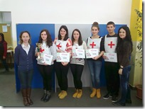 Ekipa Gimnazije s peharom2013