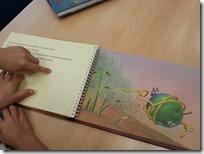 Slika 3. Ilustracija Zvonka Čoha u taktilnoj slikovnici ''Žiga špaget gre v širni svet''