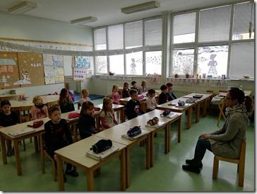 Slika 1.- Učenici 1. razreda za vrijeme slušanja