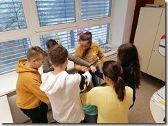 Slika 3 - Učenici na vježbi Gordijeg čvora