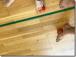 B.Idžojtič, Slika 4 - Valjanje loptice na podu.